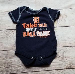 Baseball onesie 0-3 month